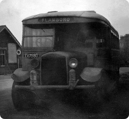 1932 Gilford 1680T EV-7580 Wycombe C32F