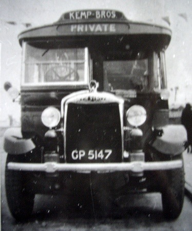 1933 Yeates KEMP-Gilford-GP-5147