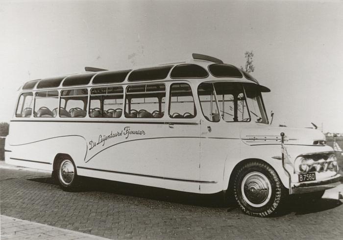 1951 Ford carr. Groenewold Hoogezand B-7560