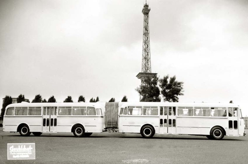 1953 Gaubschat Gelenkbusse