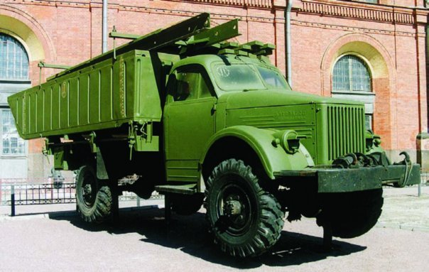 1953 GAZ-63А with front section of LPP pontoon bridge