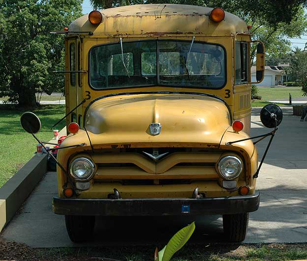 1955 Ford B500 school bus