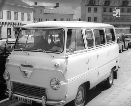 1960 Ford Thames 800 bus