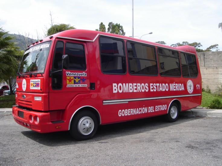 2009 Ford bus brandweer