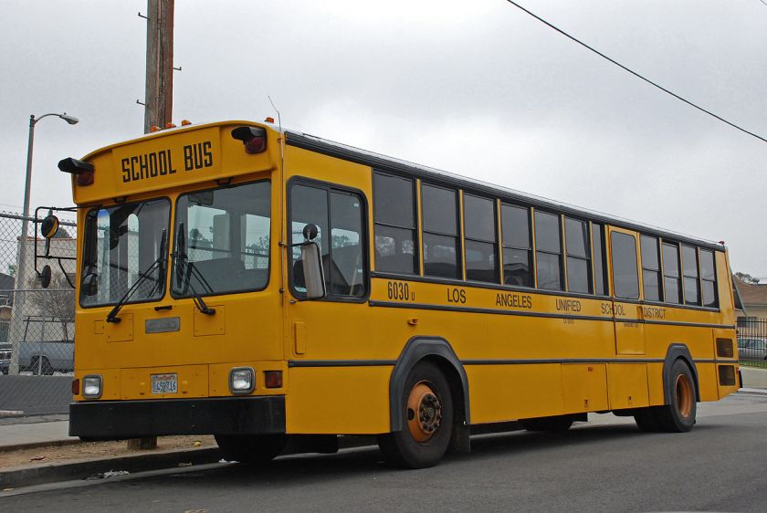 Gillig Phantom School Bus LAUSD 2002