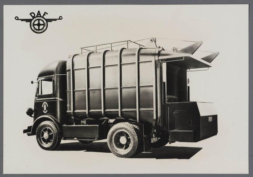 1936 DAF Autocar-Kromhout met DAF opbouw