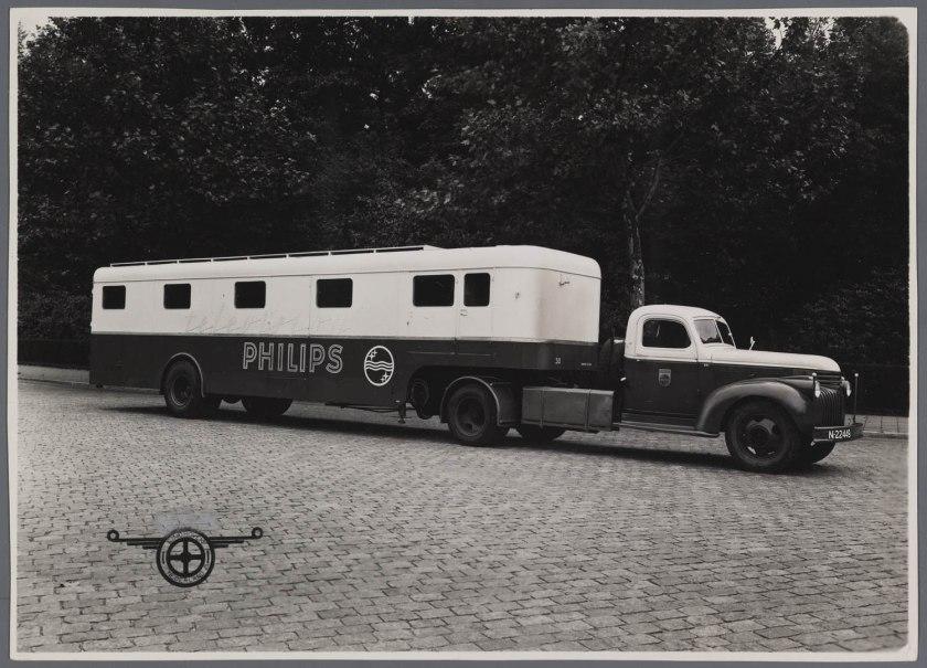 1942 Chevrolet Trekker met DAF Oplegger