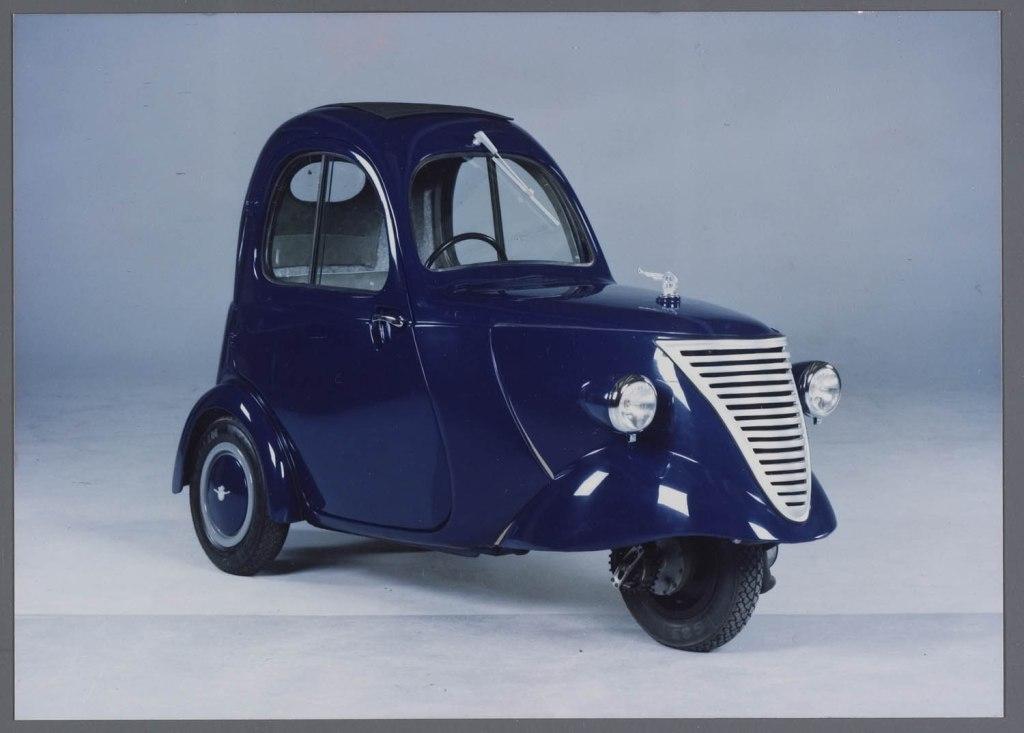 1942-daf-de-rijdende-regenjas1.jpg?w=102