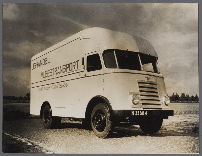 1950 DAF 7 Lijn serie Tapissiere voor Slegers in Helmond