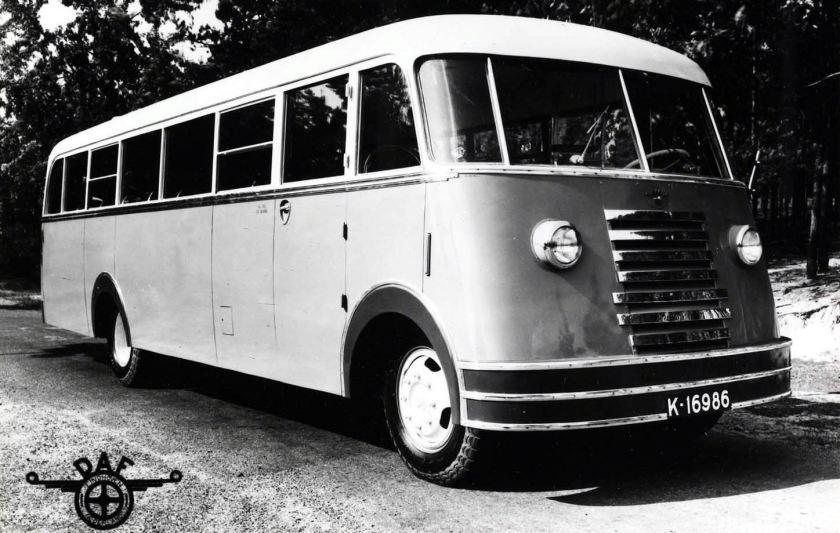 1950 DAF 7lijns autubus uit Zeeland K-16986
