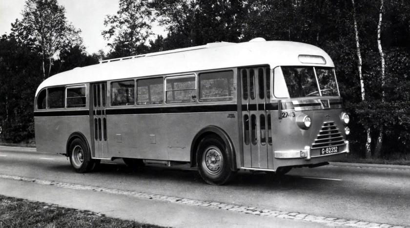 1950 DAF Autobus voor de NS met Waukesha uitschuifmotor a