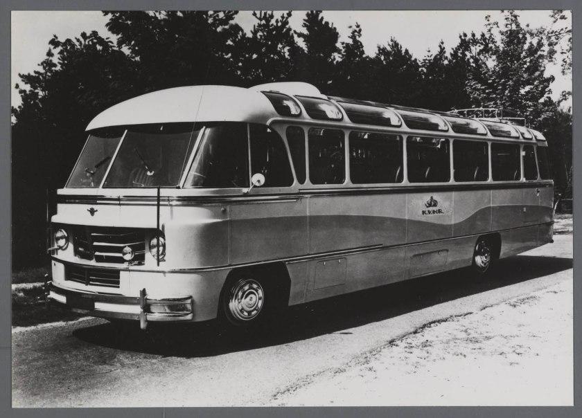 1951 DAF Autobus van de KVNR Jongerius carrosserie Chassis B