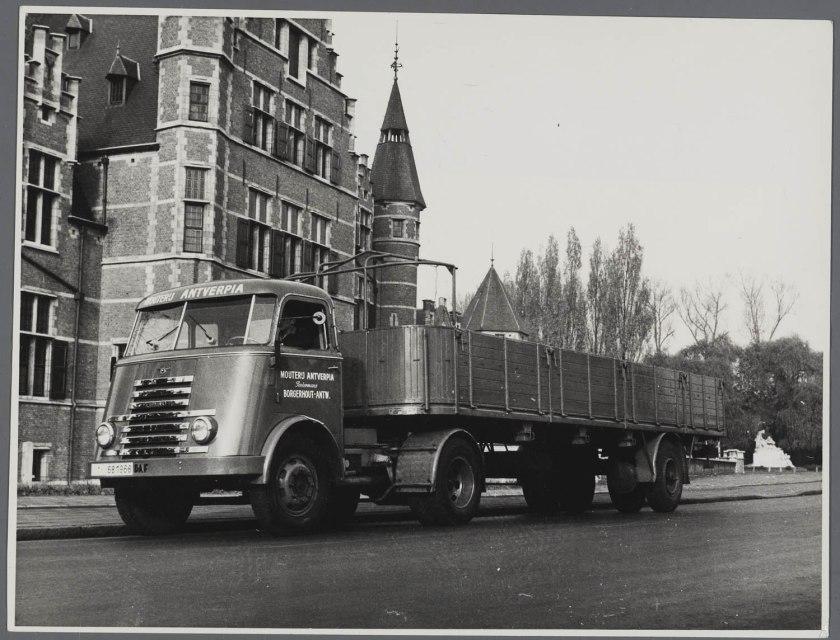 1951 DAF T50 trekker voor Mouterij Antverpia Borgerhout