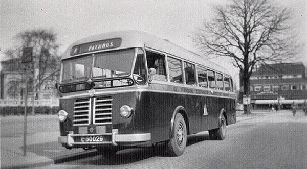 1953 Daf Stadsbus 22 met carrosserie van Verheul. 30 zit en 16 staanplaatsen
