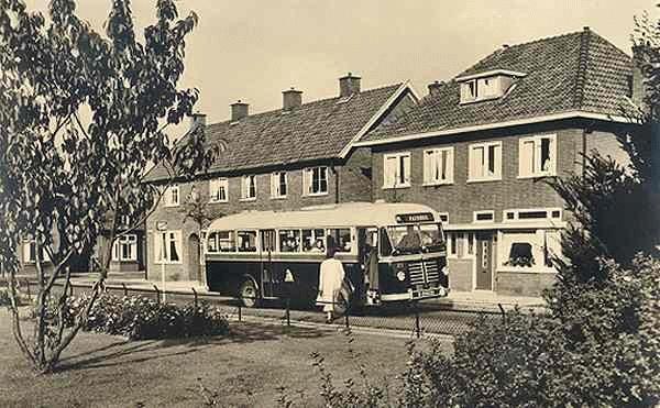 1953 Daf stadsbus nr. 23 met carrosserie van Verheul. Deze had 30 zit en 16 staanplaatsen