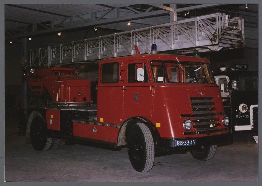 1955 Brandweer Trucks DAF  A1300C van gemeente Leeuwarden