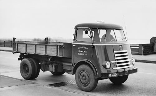 1956-DAF-A1100-20020068