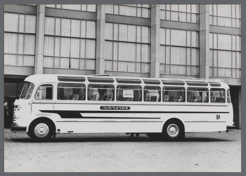 1957 DAF autobus met Jonckheere opbouw