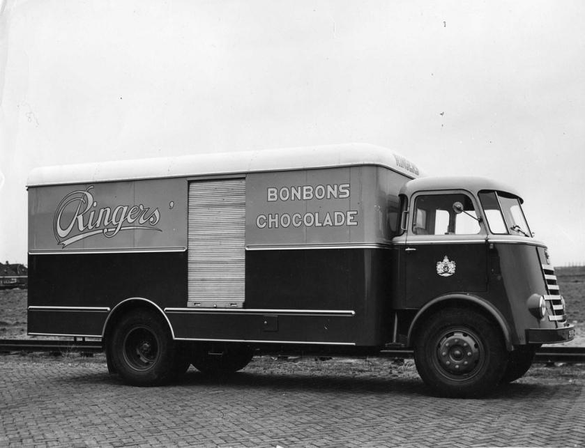 1958 DAF 1600 Ringers Bonbons Chocolade carr. Renova H'sum