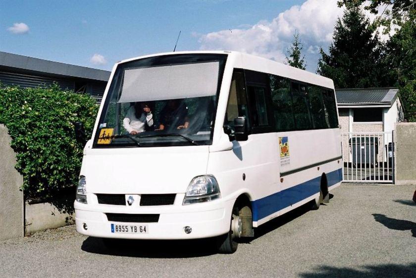 Bussen Acev Scooly Renault F