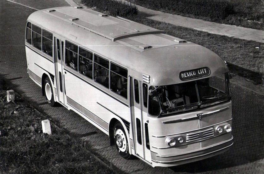 Bussen ACLO Regel IV als proefbus voor Mexico Stad