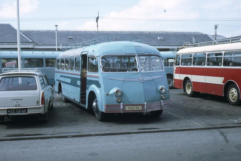 Bussen Autocar Isobloc lourdes 645F65