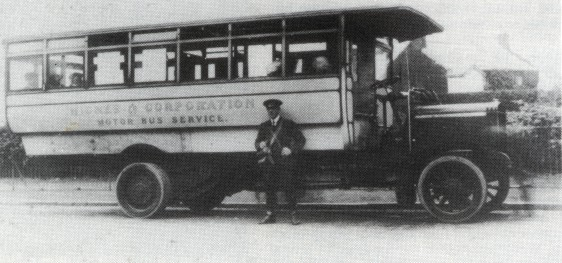 05 1912 One of the single deck Commers No5 or 6 Widnes 1912