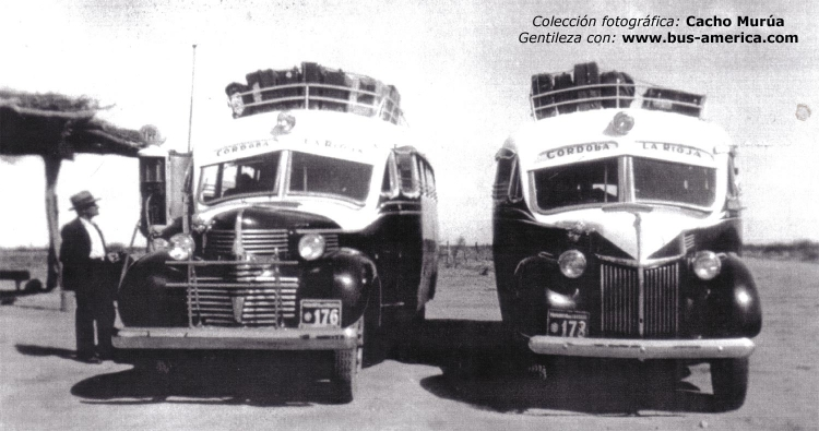 1940 Dodge + FORD(r)-Decaroli Hnos