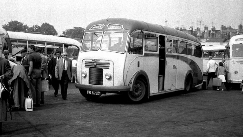 1949 Bussen Commer Avenger FO5727 with Plaxton C33F body of Matthews, Churchdown dating from 1949