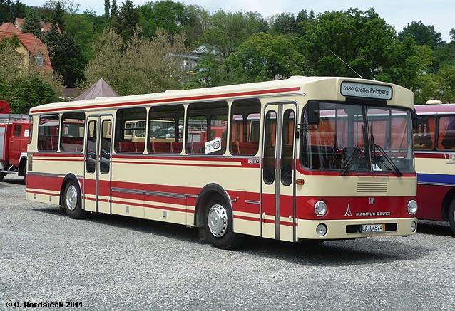 1978 Magirus-L117-Überlandbus-elfenbein-Str-rot