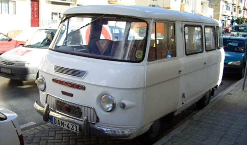20 Bussen Commer Bus White