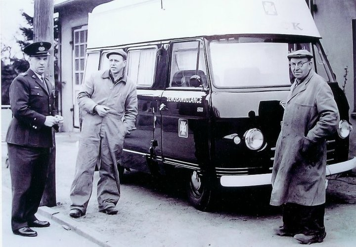 27 Commer Ambulance Bus