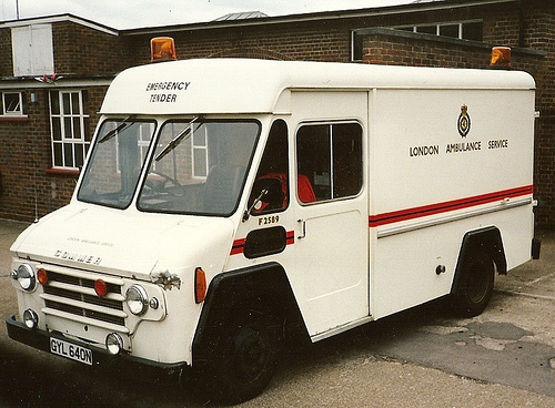 28 LONDON AMBULANCE COMMER FITTERS