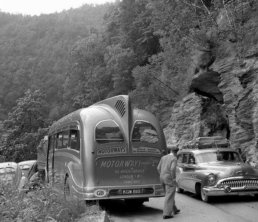 37 1949 Bussen Commer Avenger 1 1949