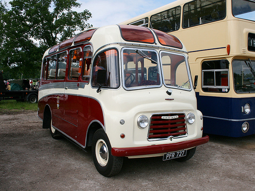 41 1959 Commer BF Coach PFR727 1959