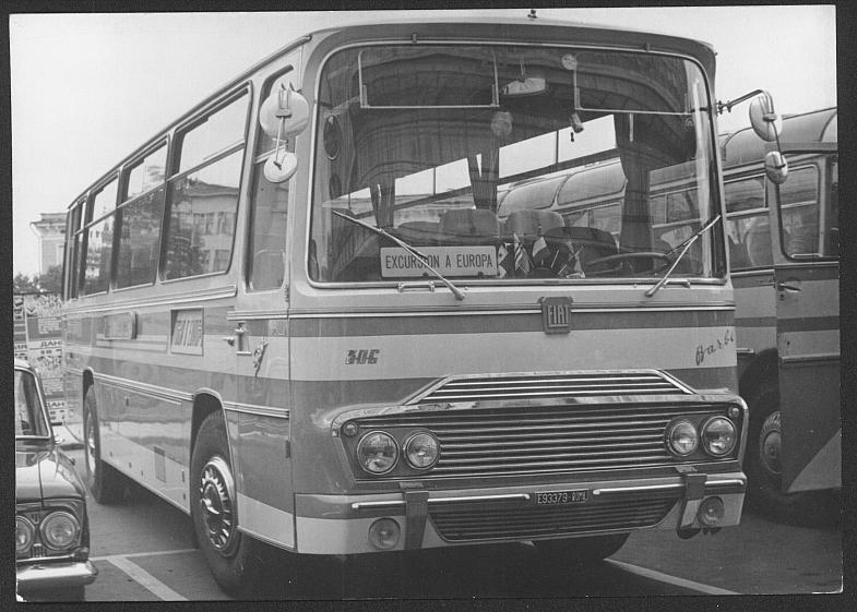 Bussen FIAT 306 Barbi Stilo