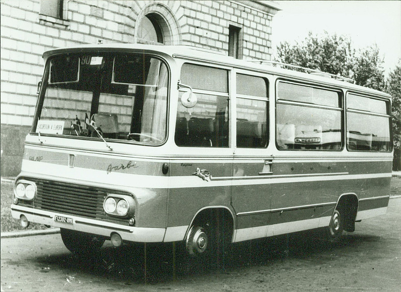 Bussen FIAT 625 R2P Barbi Pegaso Cammo a