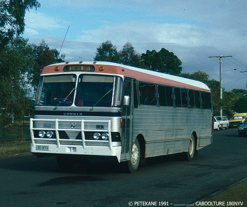 Commer schoolbus Australië