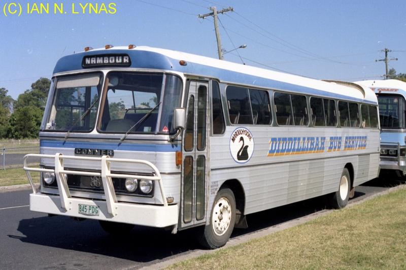 COMMER Schoolbus