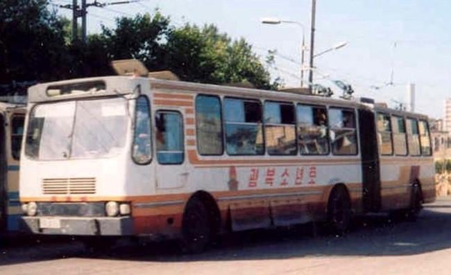 ① 천리마-70형 무궤도전차 (Chollima 70 trolleybus)a