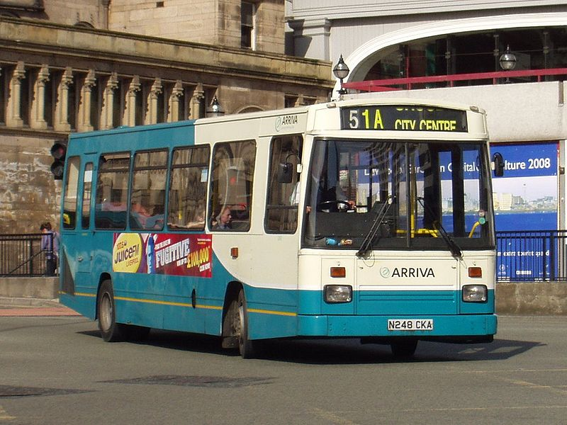 042a East Lancs EL2000 body on Dennis Dart.