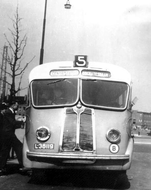 1947 Proctor-Springwood-Domburg (eerste dieselbus) 074a