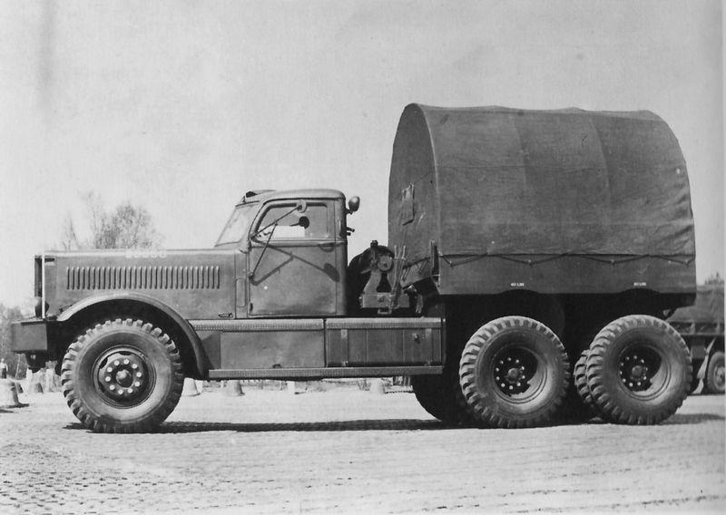 1953 Diamond T M20