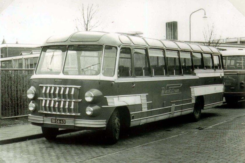 Bedford carr. ECF Vechtstroom 12 ex De Vries