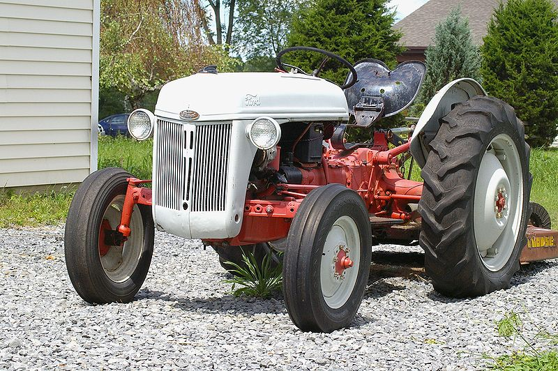 068 Ford-Tractor