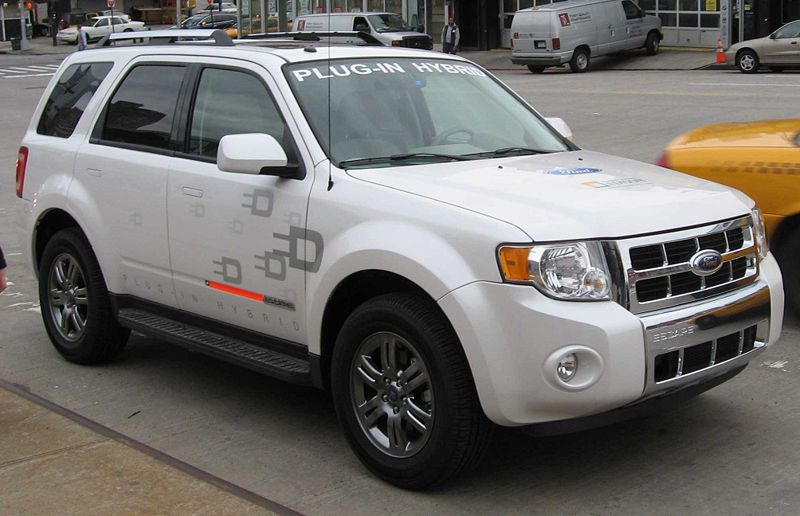 098 Ford_Escape_plug-in_hybrid