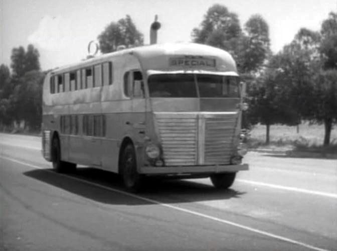 1933 Yellow Coach Nite Coach