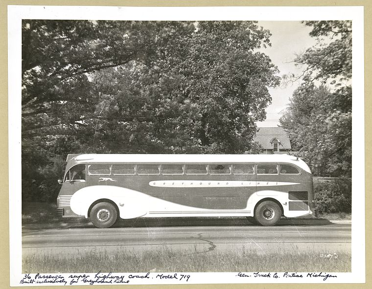 1936 GM 36 Passenger super highway coach. Model 719 - exterior view