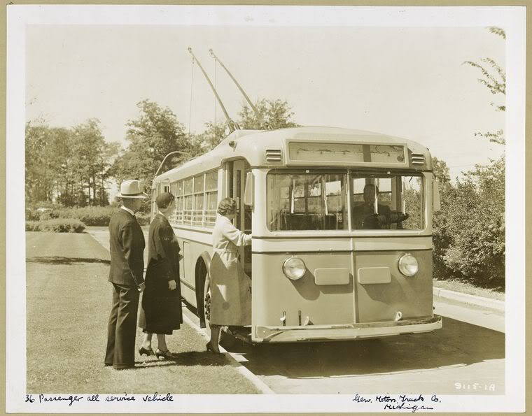 1936 GM Yellow Coach trolley bus Model 729