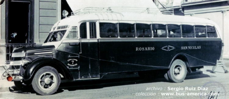 1938 International Harvester - Gnecco - Interprovincial Rosarina